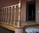 Верхняя площадка деревянной лестницы