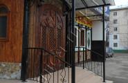 Козырек кованый над входом в кафе