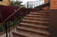 Перила кованые входная лестница