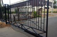 Откатные ворота автоматические из металла