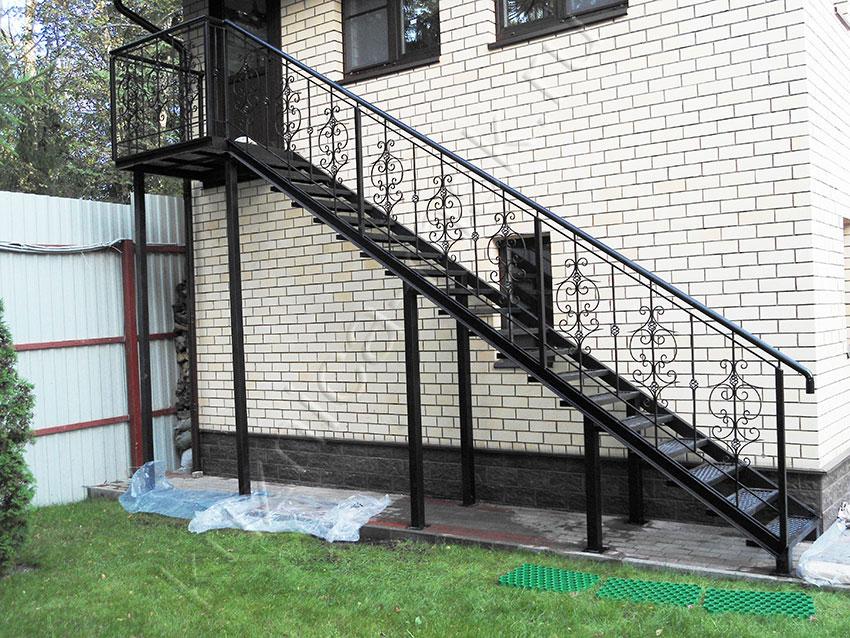 Уличные лестницы металлические своими руками