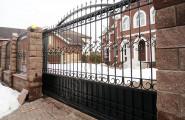 Фото автоматических откатных кованых ворот № В-211