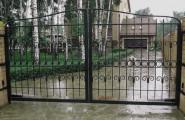 Фото элегантных кованых ворот № В-204