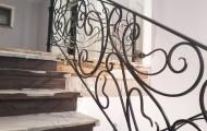 Кованое ограждение лестницы после установки