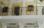 Балкон кованый внутри здания код: Б-710