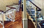 Кованые перила для лестниц с поворотом