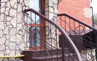 Перила кованые - крыльцо вход в дом