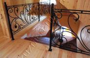 Ограждение лестницы кованое, внутренняя лестница