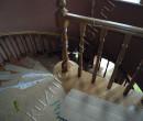 Поворот деревянной внутренней лестницы