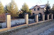 Забор ковка, кирпичные столбы
