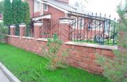 Забор кованый, территория дома