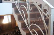 Легкое кованое ограждение лестницы