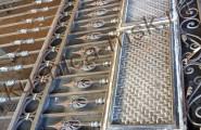 Нижняя часть кованых ворот, сборка в кузнице