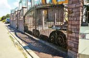 Кованые ворота частного дома